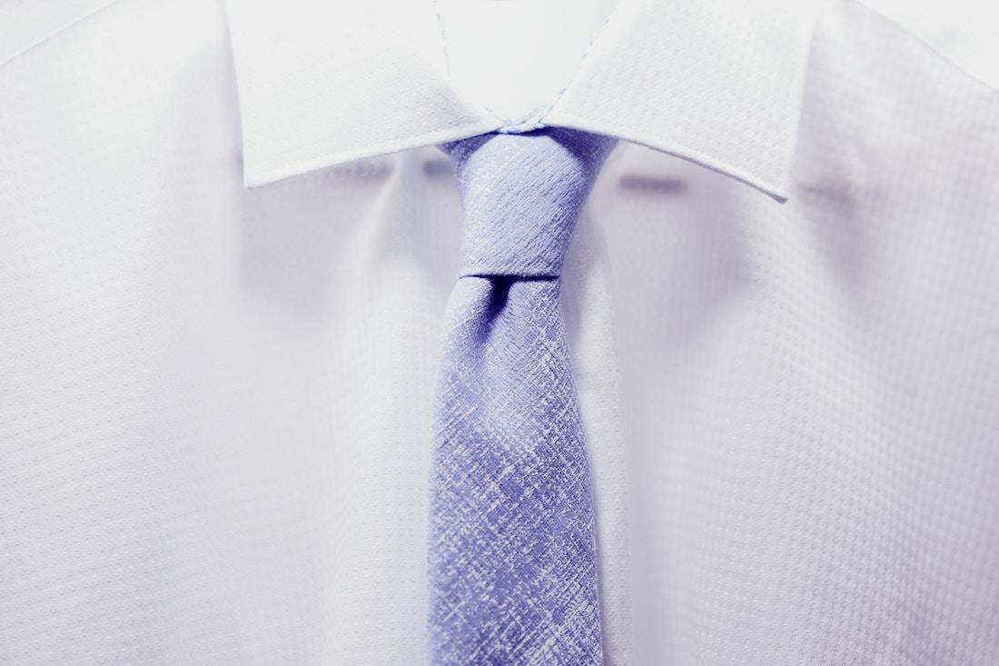 Krawat w stylizacjach biznesowych - jak go dobrać?