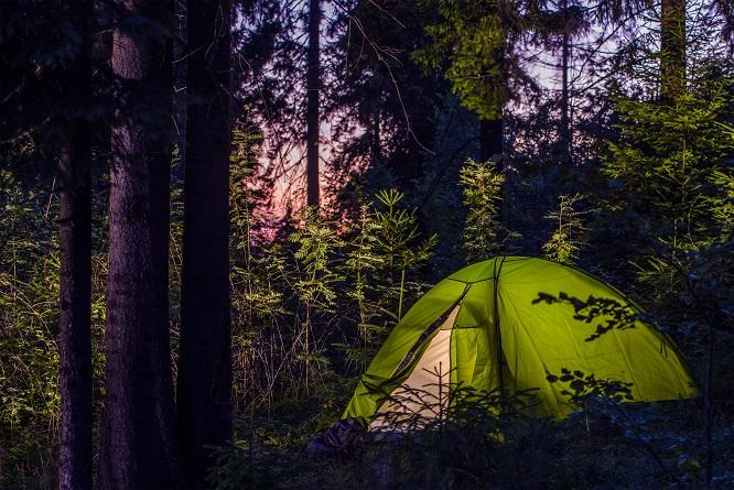 Wakacje pod namiotem: miniporadnik